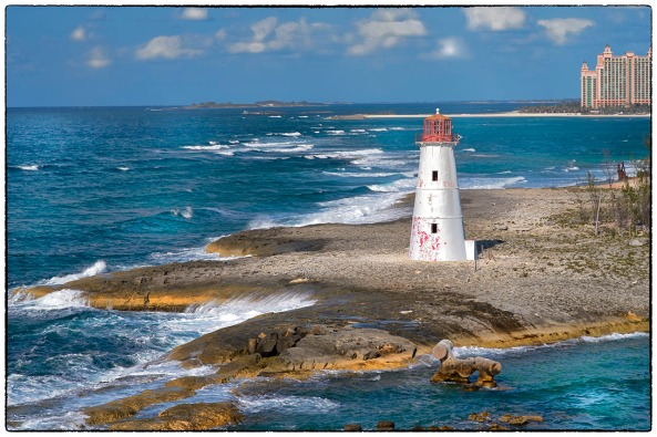 Paradise Island Light, Nassau