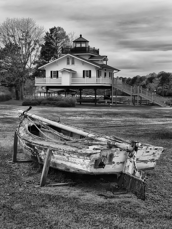 Roanoke River Lighthouse, M Monochrome