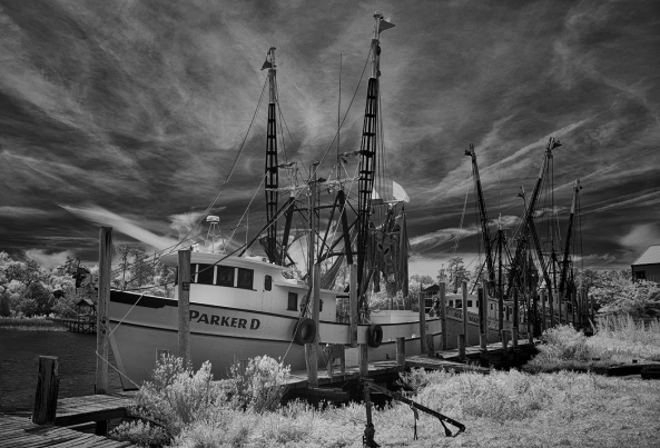 Fuji X100s, 850nm Kolari AR conversion - Shrimp Boat
